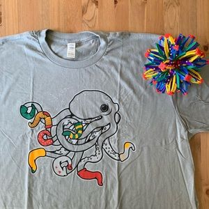 NWOT Grey Tee: Octopus with Socks Socktopus